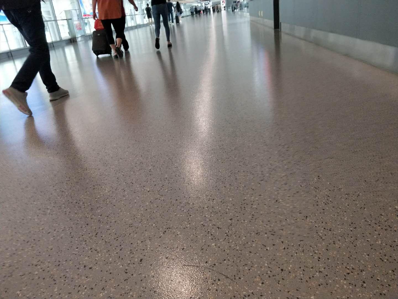 机场候机区使用的是什么地板